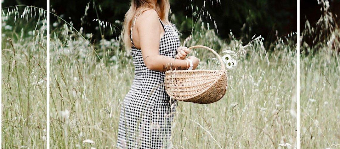 Ginette au pré, en robe vichy …