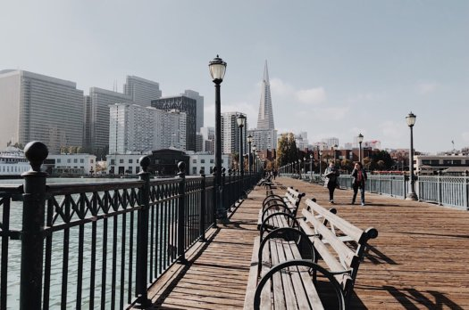 Visite de San Francisco: Le ferry Building et les quais avec vue sur le Bay Bridge
