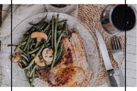 Prêt en 10 min: Côte de porc parfumé à l'ail de ours et piment d'espellete