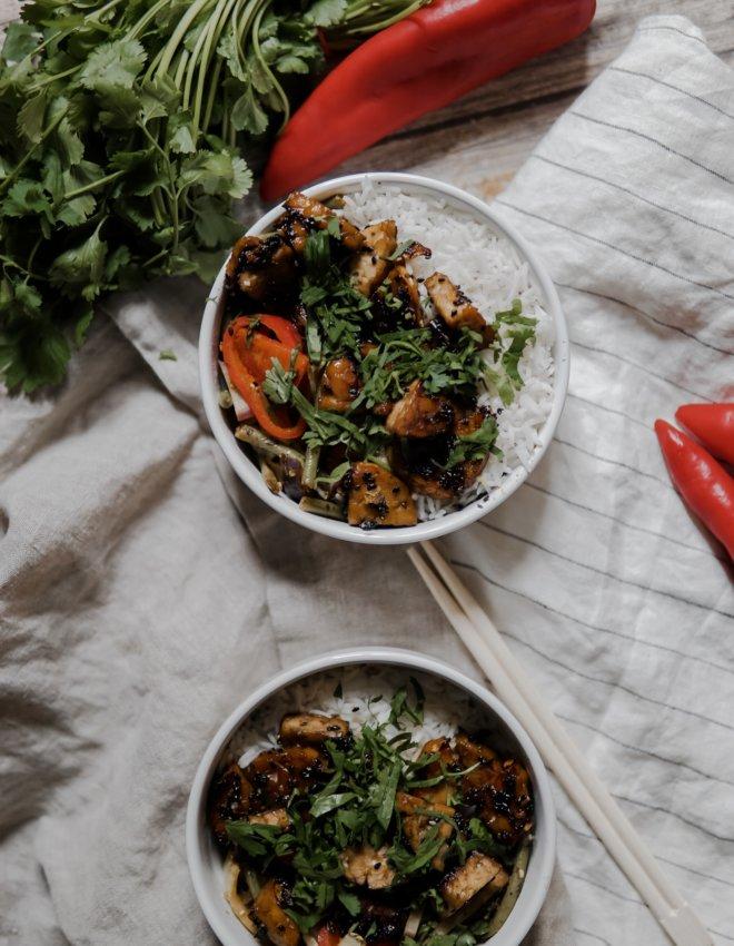 Bowl de légumes au tempeh caramélisé (VG)