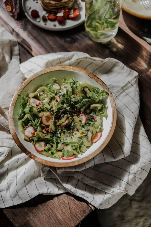 salade de kiwi avocat et ocas du pérou
